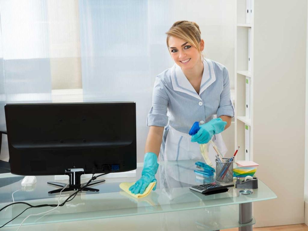 Reinigung Büromöbel und Büro
